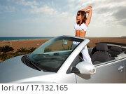 Купить «Girl and Car», фото № 17132165, снято 22 октября 2018 г. (c) easy Fotostock / Фотобанк Лори