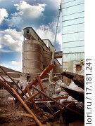 Купить «The destroyed factory», фото № 17181241, снято 19 августа 2018 г. (c) easy Fotostock / Фотобанк Лори