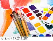 Купить «Новые акварельные краски и кисточки», фото № 17211281, снято 4 декабря 2015 г. (c) Алёшина Оксана / Фотобанк Лори