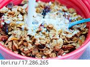 Купить «Milk Pouring Into Cereal», фото № 17286265, снято 8 июля 2020 г. (c) easy Fotostock / Фотобанк Лори
