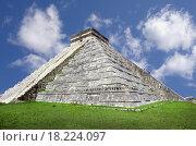 Купить «chichen_Itza mayan pyramid», фото № 18224097, снято 21 марта 2018 г. (c) easy Fotostock / Фотобанк Лори