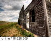 Купить «Abandoned Farmhouse Saskatchewan Canada», фото № 18328309, снято 31 мая 2020 г. (c) easy Fotostock / Фотобанк Лори