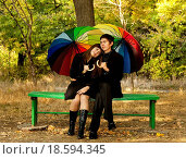 Купить «Couple in the park in fall», фото № 18594345, снято 19 сентября 2018 г. (c) easy Fotostock / Фотобанк Лори