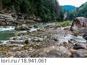 Карпатский горный ручей. Стоковое фото, фотограф Kateryna Kyselova / Фотобанк Лори
