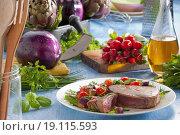 Tuna steak with vegetables. Стоковое фото, фотограф Aubergine Studio / easy Fotostock / Фотобанк Лори