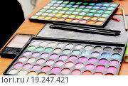 Купить «Косметическая палитра», фото № 19247421, снято 6 декабря 2014 г. (c) Козырин Илья / Фотобанк Лори