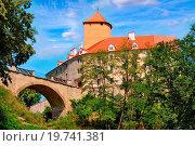 Купить «Medieval castle Veveri overlooking Svratka river, Brno dam, Southern Moravia, Czech Republic, Central Europe», фото № 19741381, снято 19 октября 2018 г. (c) easy Fotostock / Фотобанк Лори