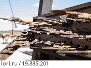 Купить «Medieval siege weapons, crossbows, onagers, catapults and battering rams», фото № 19885201, снято 19 февраля 2019 г. (c) easy Fotostock / Фотобанк Лори