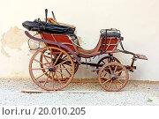 Купить «Old carriage», фото № 20010205, снято 22 апреля 2018 г. (c) easy Fotostock / Фотобанк Лори