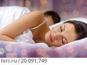 Купить «happy couple sleeping in bed», фото № 20091749, снято 23 ноября 2013 г. (c) Syda Productions / Фотобанк Лори