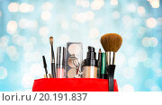 Купить «close up of cosmetic bag with makeup stuff», фото № 20191837, снято 19 ноября 2015 г. (c) Syda Productions / Фотобанк Лори