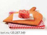 Купить «Fresh minced meat», фото № 20287349, снято 12 июня 2011 г. (c) easy Fotostock / Фотобанк Лори