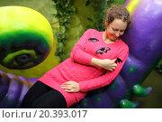 Купить «Beautiful tropical butterflies are sitting on blouse of woman.», фото № 20393017, снято 4 ноября 2014 г. (c) Losevsky Pavel / Фотобанк Лори