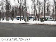 Купить «Колонна полицейских автобусов», эксклюзивное фото № 20724877, снято 3 марта 2012 г. (c) Алёшина Оксана / Фотобанк Лори