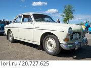 "Купить «Автомобиль ""Volvo 121"" на параде ретроавтомобилей. Керимяки, Финляндия», фото № 20727625, снято 6 июня 2015 г. (c) Виктор Карасев / Фотобанк Лори"