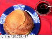 Купить «Блины с вареньем», эксклюзивное фото № 20759417, снято 21 января 2016 г. (c) Яна Королёва / Фотобанк Лори