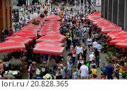 Купить «Zagreb, Croatia. 27 Jun 2015. Daily life in the city.», фото № 20828365, снято 27 июня 2015 г. (c) age Fotostock / Фотобанк Лори