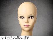 Купить «Mannequin head on dark grey background», фото № 20856189, снято 18 января 2018 г. (c) PantherMedia / Фотобанк Лори