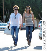Купить «Model Daisy Fuentes flaunts her famous curves at the age of 48 while out shopping with her new boyfriend singer Richard Marx. The new couple were seen...», фото № 20877309, снято 28 апреля 2015 г. (c) age Fotostock / Фотобанк Лори