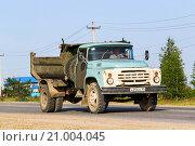 Купить «ZIL-MMZ-4505», фото № 21004045, снято 18 июля 2013 г. (c) Art Konovalov / Фотобанк Лори