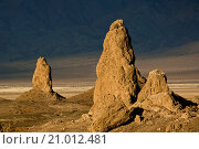 Купить «Tufa rock formations at the Trona Pinnacles, California.», фото № 21012481, снято 18 октября 2009 г. (c) age Fotostock / Фотобанк Лори