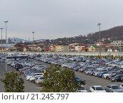 Купить «Ряды машин на парковке», фото № 21245797, снято 24 января 2016 г. (c) DiS / Фотобанк Лори