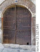 Puerta antigua de madera y forja en Garganta la Olla. Conjunto histórico artístico. Cáceres. Extremadura. España. Стоковое фото, фотограф David Miranda / age Fotostock / Фотобанк Лори