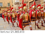 Roman legionaries, roman soldiers. Holy Week. Tarragona, Catalonia, Spain. (2015 год). Редакционное фото, фотограф Marc Soler / age Fotostock / Фотобанк Лори