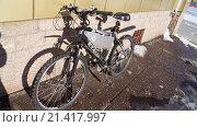 Купить «Электрический велосипед на улице на солнце», фото № 21417997, снято 17 февраля 2015 г. (c) Максим Терновский / Фотобанк Лори