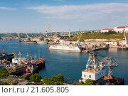 Купить «Cargo port in Sevastopol, Russia», фото № 21605805, снято 26 июля 2015 г. (c) Наталья Волкова / Фотобанк Лори