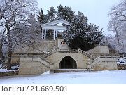 Купить «Лермонтовская площадка зимой в Кисловодске», эксклюзивное фото № 21669501, снято 20 января 2016 г. (c) Алексей Гусев / Фотобанк Лори