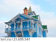 Купить «Голубой дом с балконом», фото № 21695541, снято 3 января 2016 г. (c) Максим Мицун / Фотобанк Лори