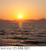 Закат на море (2014 год). Стоковое фото, фотограф Анна Сапрыкина / Фотобанк Лори