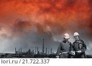 Купить «oil and gas refinery at sunset», фото № 21722337, снято 16 октября 2018 г. (c) PantherMedia / Фотобанк Лори