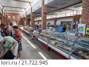 Купить «Рыбный рынок «Селенские Исады» в Астрахани», фото № 21722945, снято 19 февраля 2020 г. (c) Igor Lijashkov / Фотобанк Лори
