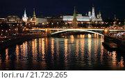 Купить «Вид на Московский Кремль ночью», видеоролик № 21729265, снято 4 февраля 2016 г. (c) Яна Королёва / Фотобанк Лори