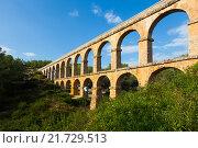 Antique roman aqueduct in Tarragona (2013 год). Стоковое фото, фотограф Яков Филимонов / Фотобанк Лори