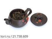 Купить «Чайник с черным чаем и крышкой», фото № 21738609, снято 8 февраля 2016 г. (c) Дмитрий Крамар / Фотобанк Лори