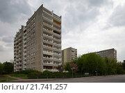 Berlin, Germany, prefab WBS 70 in Berlin-Buch (2010 год). Редакционное фото, агентство Caro Photoagency / Фотобанк Лори