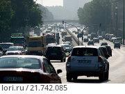 Berlin, Germany, a traffic jam on the highway B1/B5 Alt-Friedrichsfelde (2009 год). Редакционное фото, агентство Caro Photoagency / Фотобанк Лори