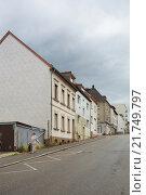 Купить «Pirmasens, Germany, apartment houses in Pirmasens», фото № 21749797, снято 12 июля 2012 г. (c) Caro Photoagency / Фотобанк Лори
