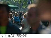 Berlin, passersby at Kurfürstendamm (2004 год). Редакционное фото, агентство Caro Photoagency / Фотобанк Лори
