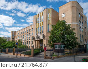 Купить «Здание Верховного Суда Российской Федерации в Малом Харитоньевском переулке», эксклюзивное фото № 21764877, снято 11 июня 2015 г. (c) Pukhov K / Фотобанк Лори