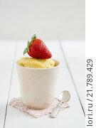 Купить «food eating eat cake spoon», фото № 21789429, снято 21 августа 2018 г. (c) PantherMedia / Фотобанк Лори