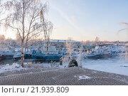 Купить «Корабли у причала зимой», фото № 21939809, снято 9 января 2016 г. (c) Михаил Кочиев / Фотобанк Лори