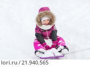 Купить «happy little kid on sled outdoors in winter», фото № 21940565, снято 23 января 2016 г. (c) Syda Productions / Фотобанк Лори