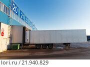 Купить «warehouse gate and truck loading», фото № 21940829, снято 2 декабря 2015 г. (c) Syda Productions / Фотобанк Лори