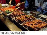 Уличная еда в Сеуле (2015 год). Стоковое фото, фотограф Олеся Рукина / Фотобанк Лори