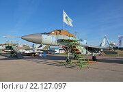 Купить «МиГ-29К - российский палубный многоцелевой истребитель четвертого поколения на международном авиационно-космическом салоне МАКС-2015», фото № 22127097, снято 24 августа 2015 г. (c) Игорь Долгов / Фотобанк Лори