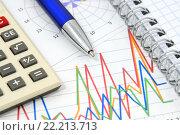 Калькулятор, тетрадь, графики, диаграммы и ручка. Бизнес-натюрморт. Стоковое фото, фотограф Юрий Морозов / Фотобанк Лори
